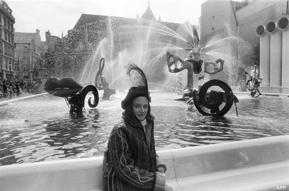 Niki de Saint Phalle avec ses Nanas