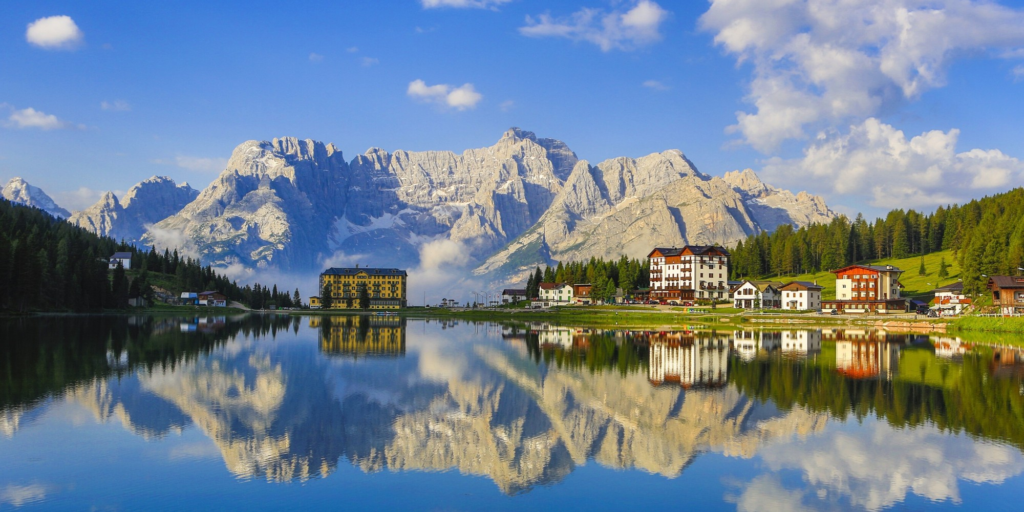 Get to italy 39 s most beautiful mountain range now huffpost for Where are the dolomites located in italy