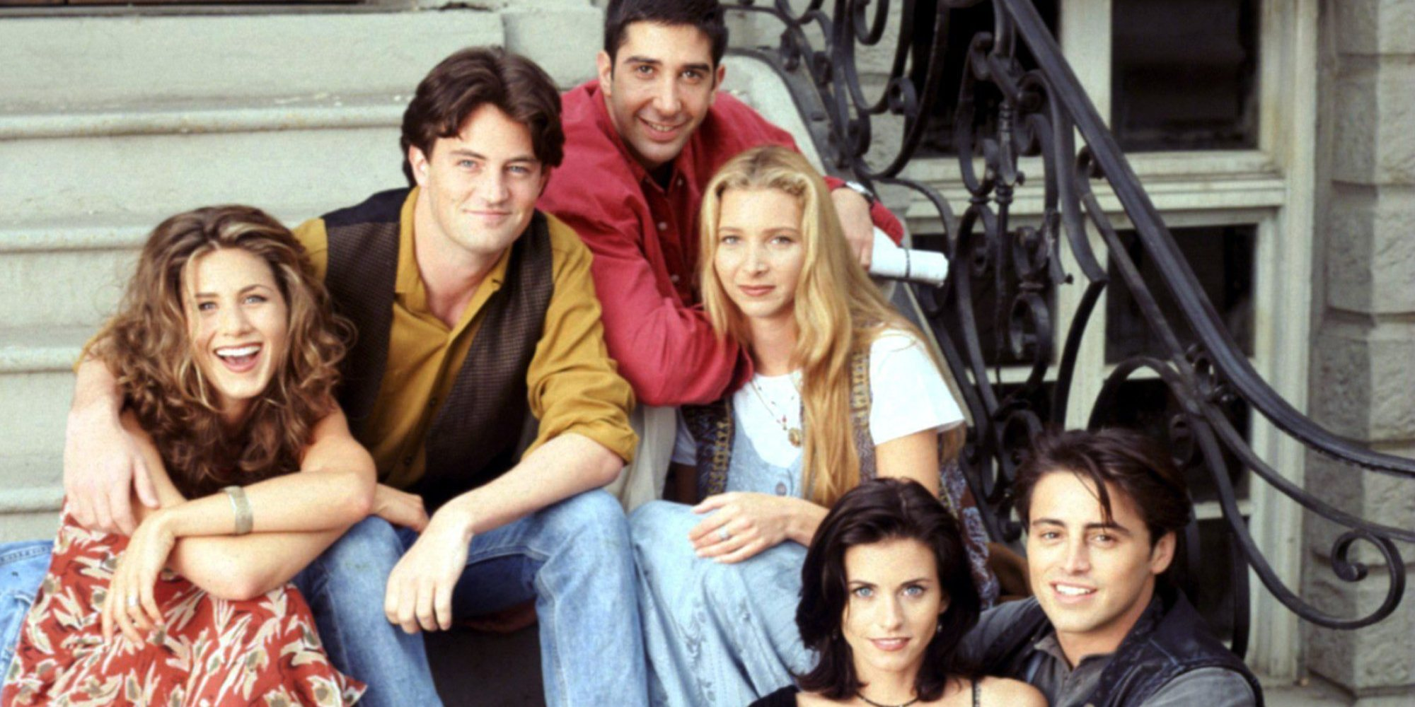 39 friends 39 turns 20 fashion lessons we learned from all 10 seasons. Black Bedroom Furniture Sets. Home Design Ideas