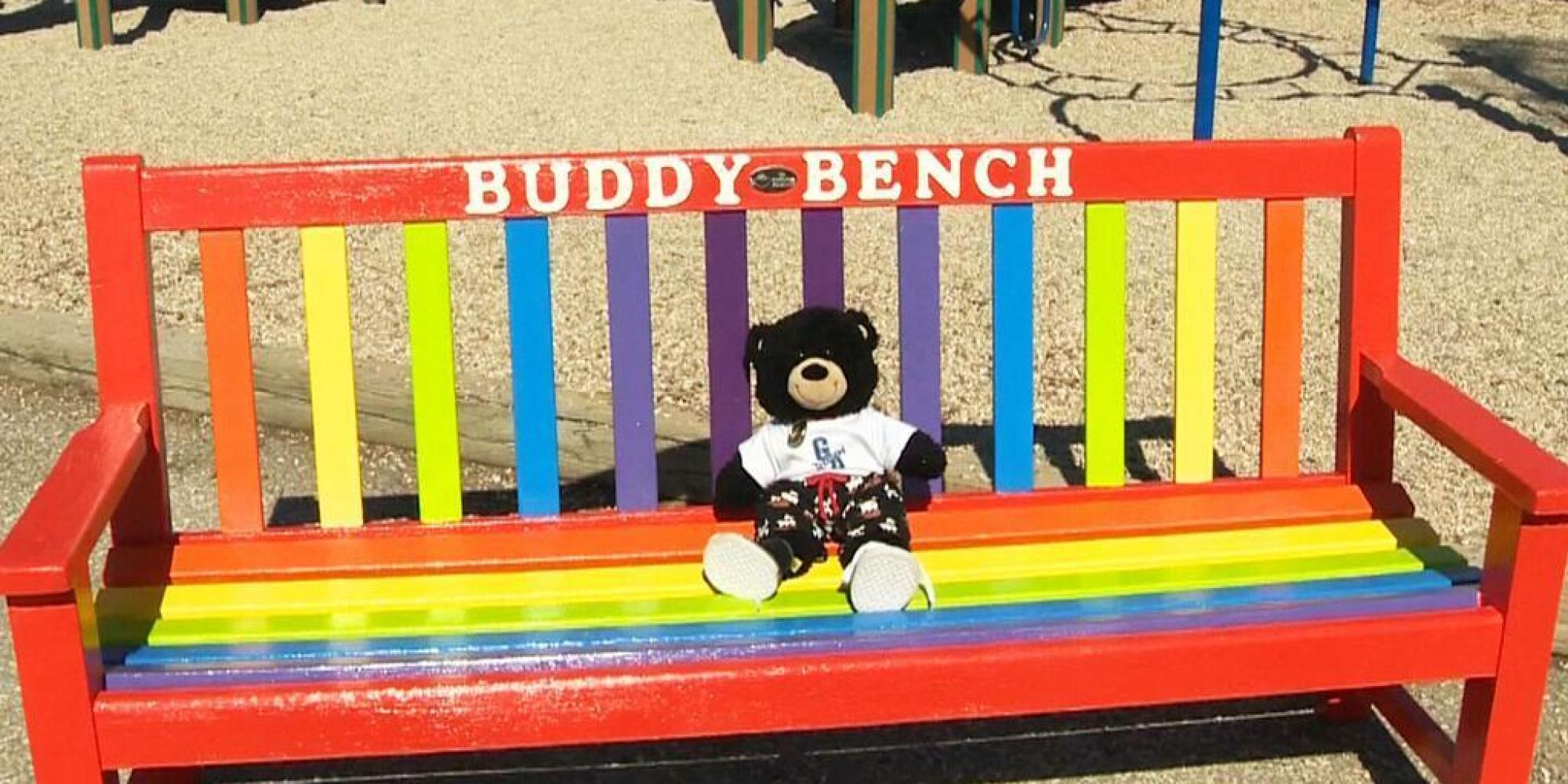 'Buddy Bench' Debuted At Winnipeg's Gray Academy Of Jewish