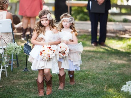 10 Of The Most Fashion-Forward Flower Girls We've Ever Seen
