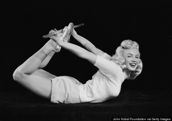 marilyn monroe yoga 1940s