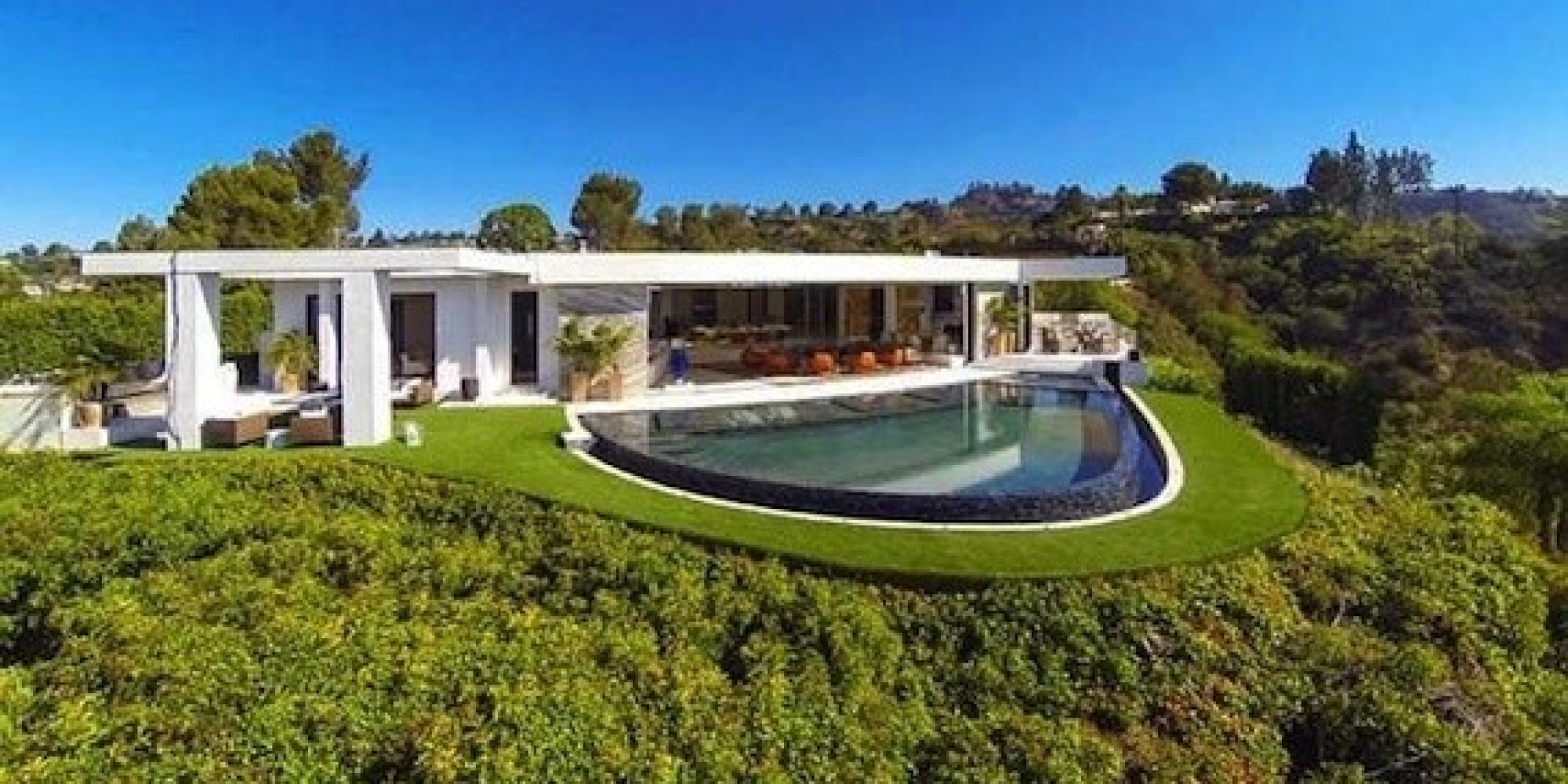 Luxury california home is almost as impressive as the for Luxury houses in california