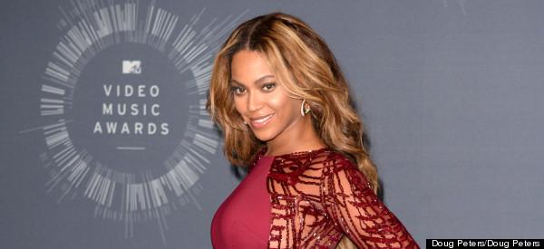 Beyoncé Slams Photoshop Rumours With NSFW Snap