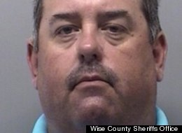 Deputy Made Sex Offenders Pose For Nude Photos: Cops