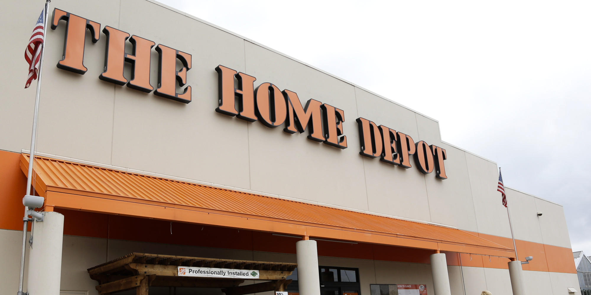 Home Depot Hack Is Letting Criminals Drain Money From People's Bank Accounts | HuffPost