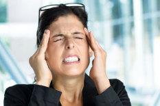 Kopfschmerzen   Bild: Ihar Ulashchyk / Fotolia