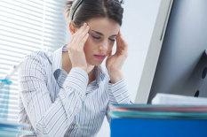 Migräne im Büro | Bild: PA