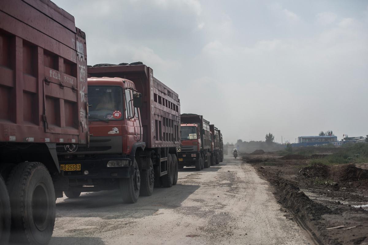coal trucks and zhaojin