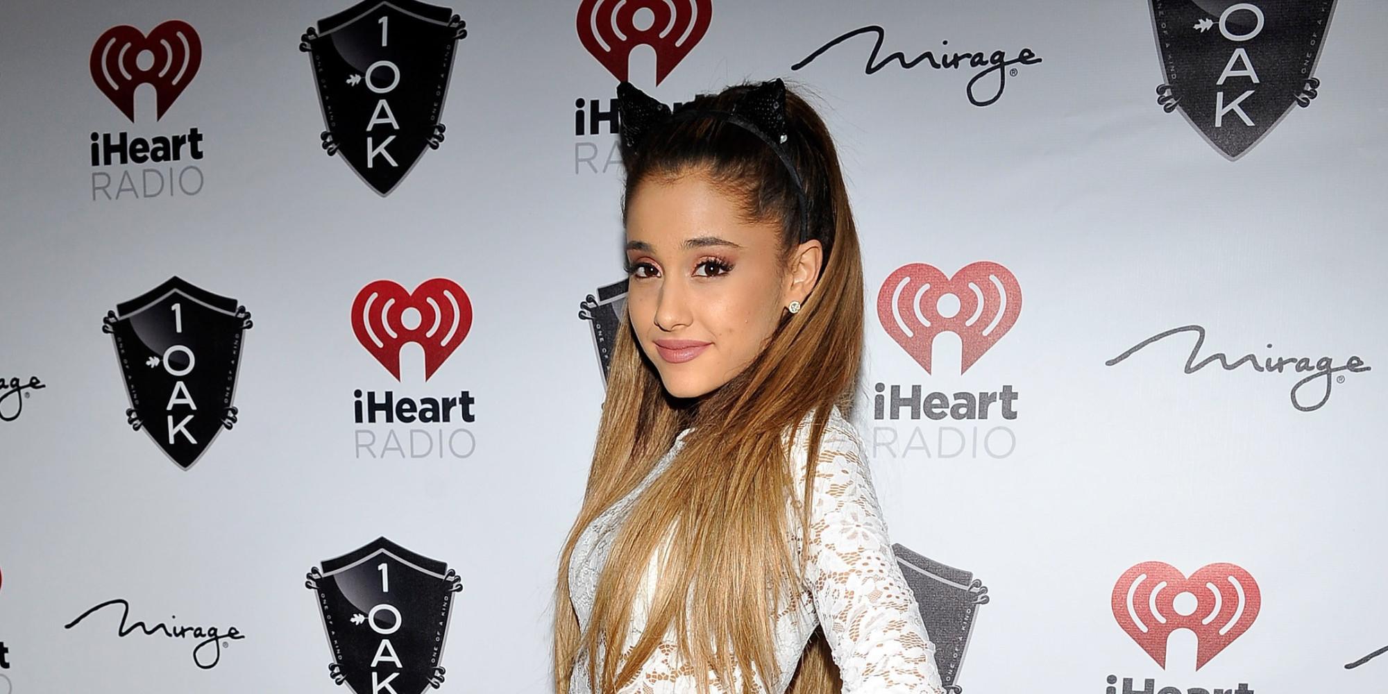 Ariana Grande Denies Leaked Nude Pic is Her - YouTube