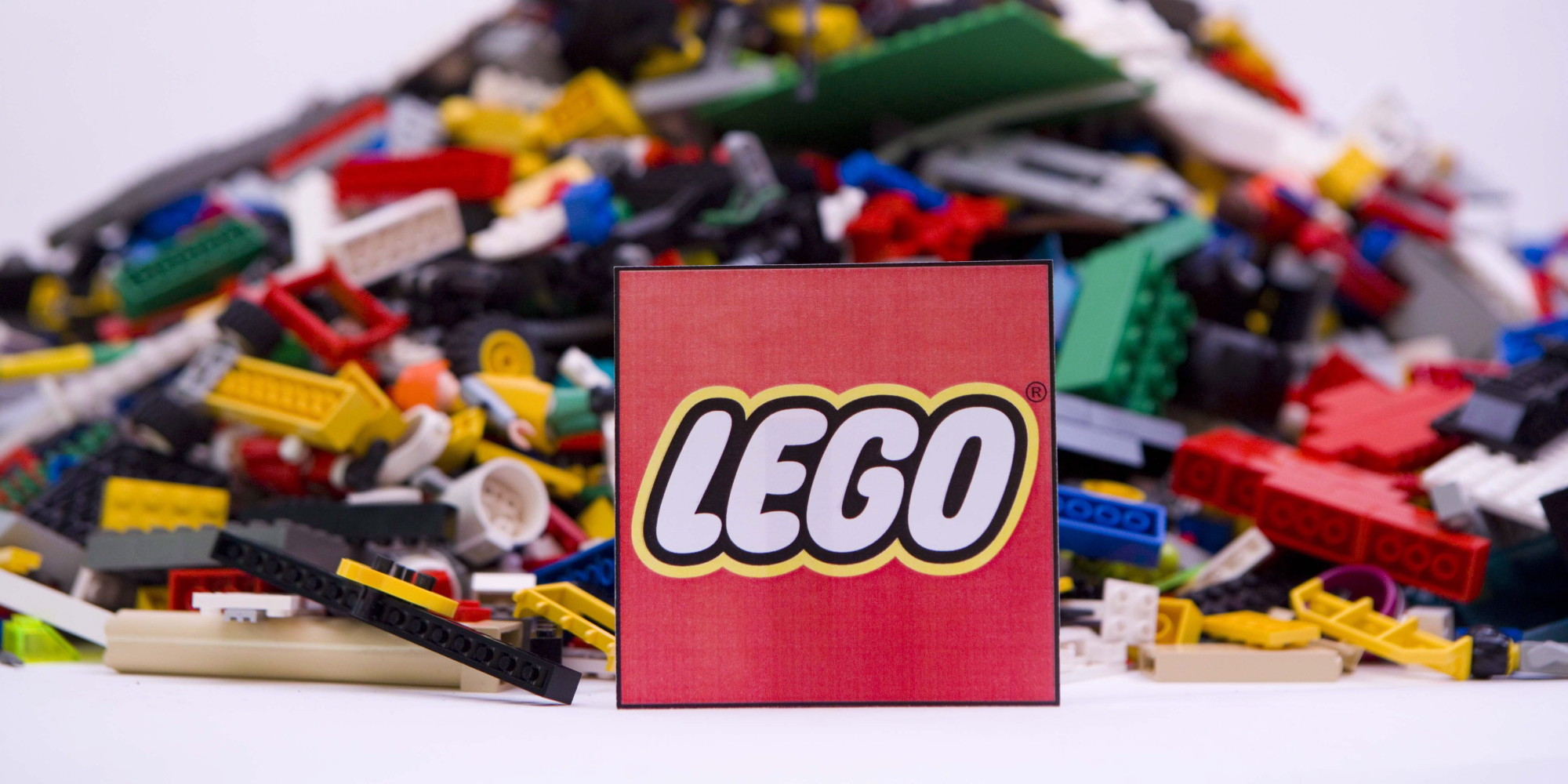 LEGO's Girl Problem Starts With Management | HuffPost