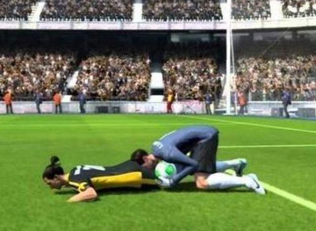 Berita Xtra Time  - Kompilasi Kesalahan Game FIFA 15 Yang Bikin Ngakak!