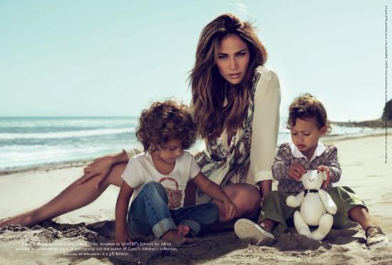 Jennifer Lopez  amp  Twins Max  amp  Emme Pose For Gucci  PHOTOS Jennifer Lopez Twins Names