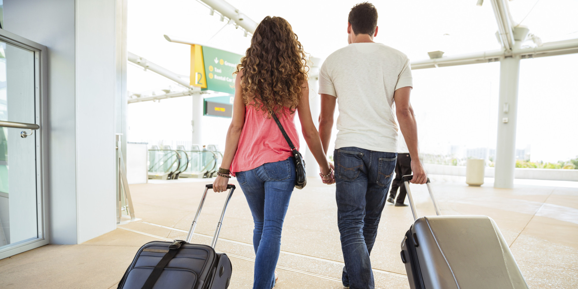 Resultado de imagen para couple airport