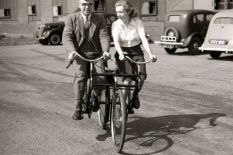 Experimental tandem bicycle | Pic: PA