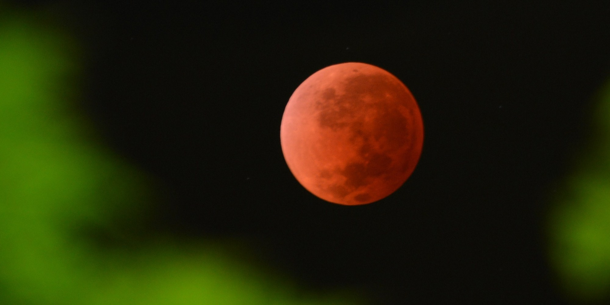 Blood moon to bring end of the world as stargazers enjoy