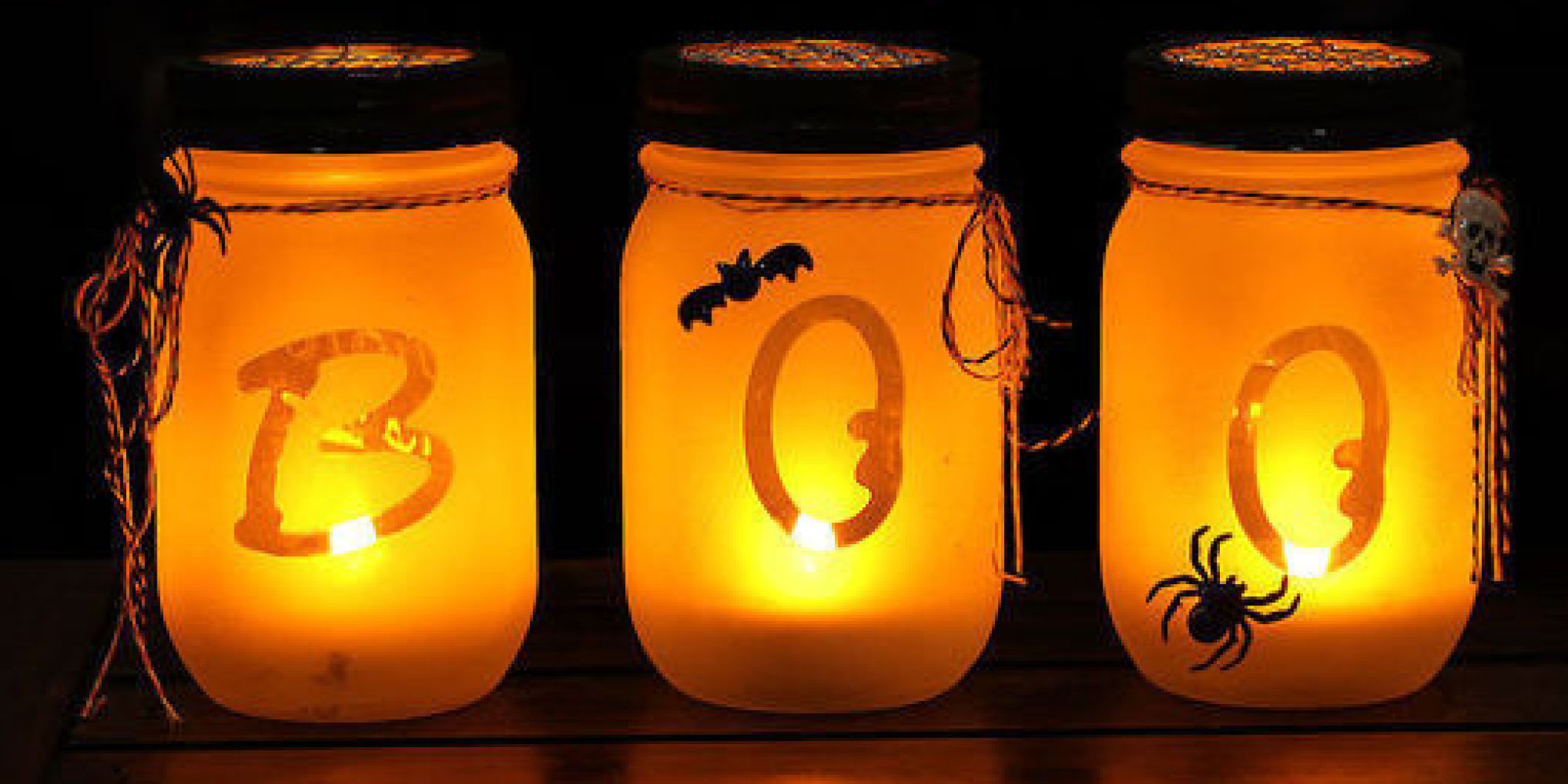10 spooky chic halloween decorations huffpost - Activite manuelle decoration ...