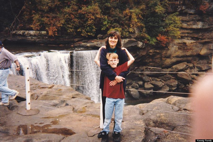 peter kassig kentucky with mom