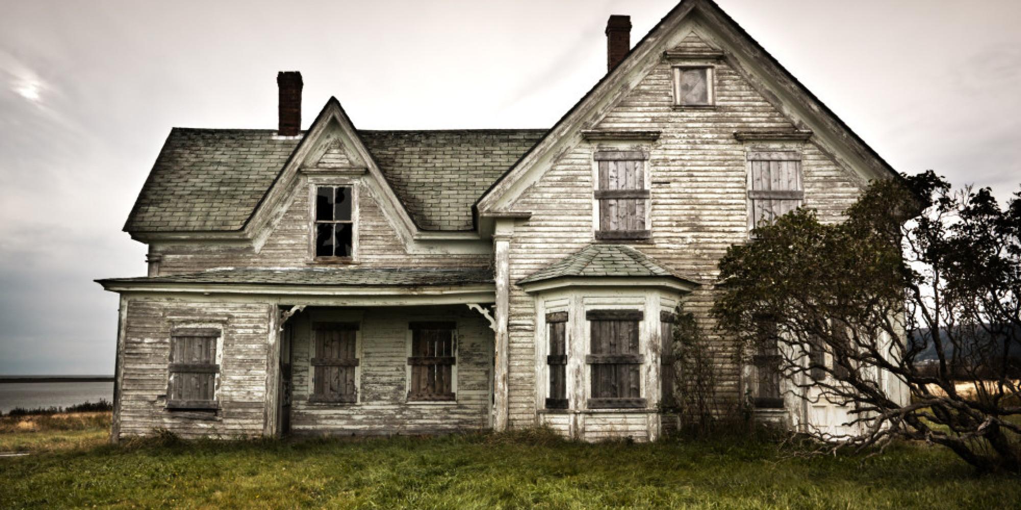 haunted house myths confirmed and debunked. Black Bedroom Furniture Sets. Home Design Ideas