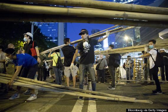 hong kong remove barricades