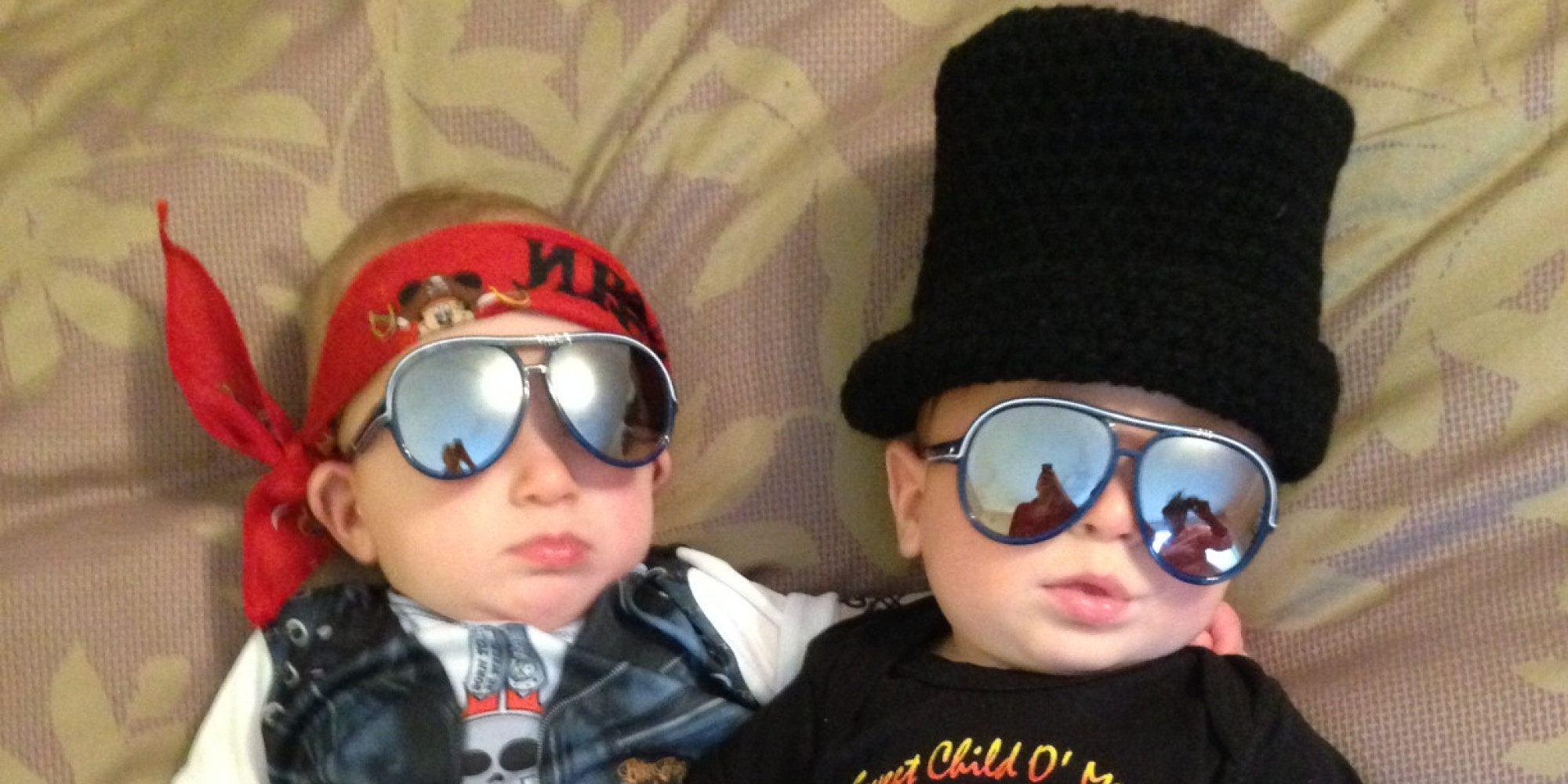 halloween costumes for twins that will win you over twice huffpost - Baby Twin Halloween Costumes