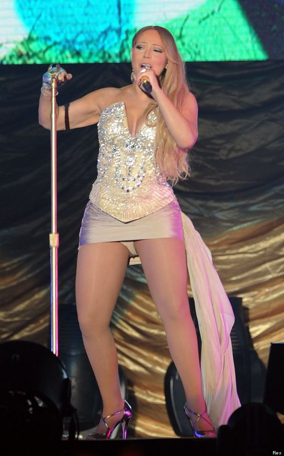 Mariah carey suffers embarrassing wardrobe malfunction - Dive senza slip ...