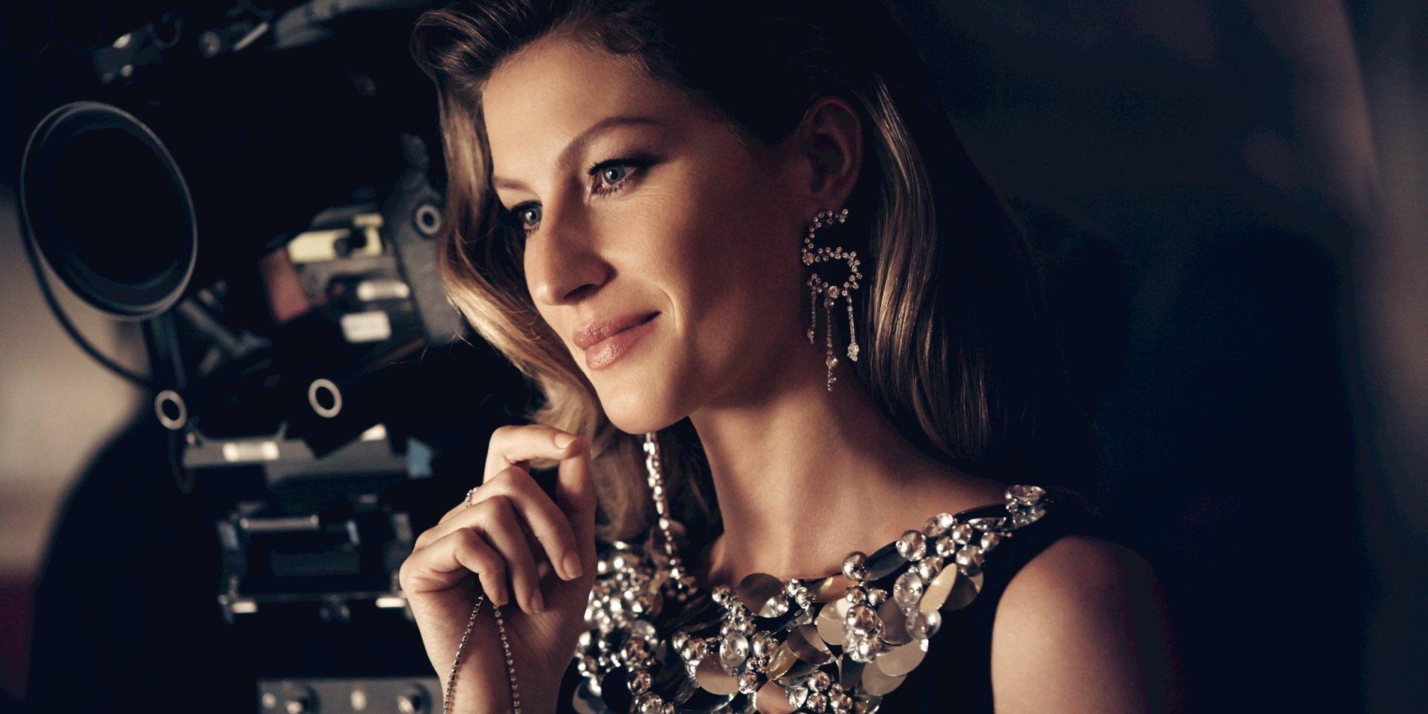 Gisele Bundchen's Chanel No. 5 Commercial Has Us Envious ... Gisele Bundchen Facebook