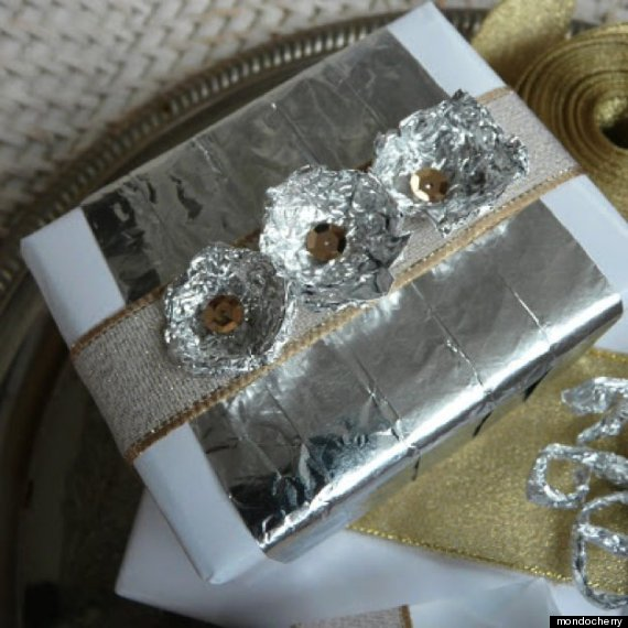15 Awesome Alternatives To Gift Wrapping Paper That You Already ...