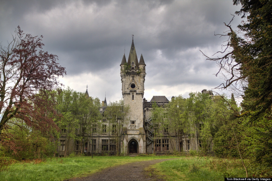 12 Creepy Abandoned Places You'll Probably Find Ghosts