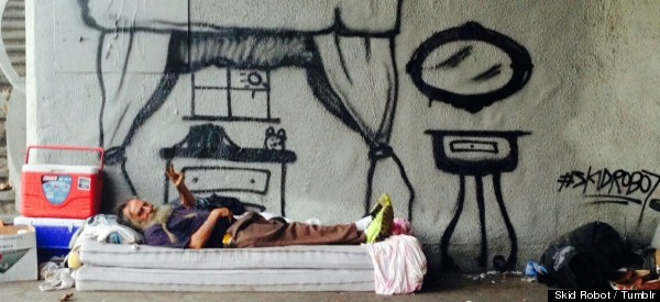 ARTISTA PINTA LOS SUEÑOS DE PERSONAS SIN HOGAR