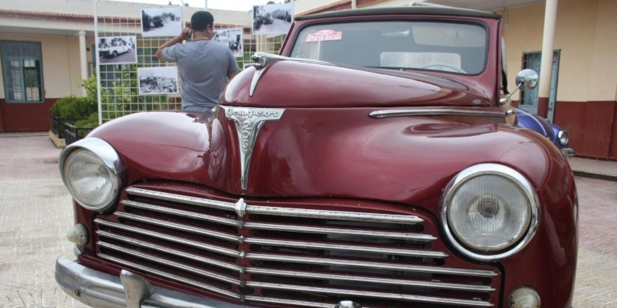 Un salon de voitures anciennes tlemcen for Salon vieilles voitures