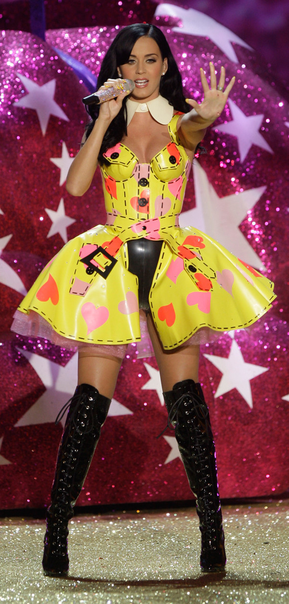 Katy Perry Wows At The Victoria S Secret Show Photos