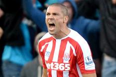 Stoke's Jonathan Walters celebrates scoring | Pic: PA