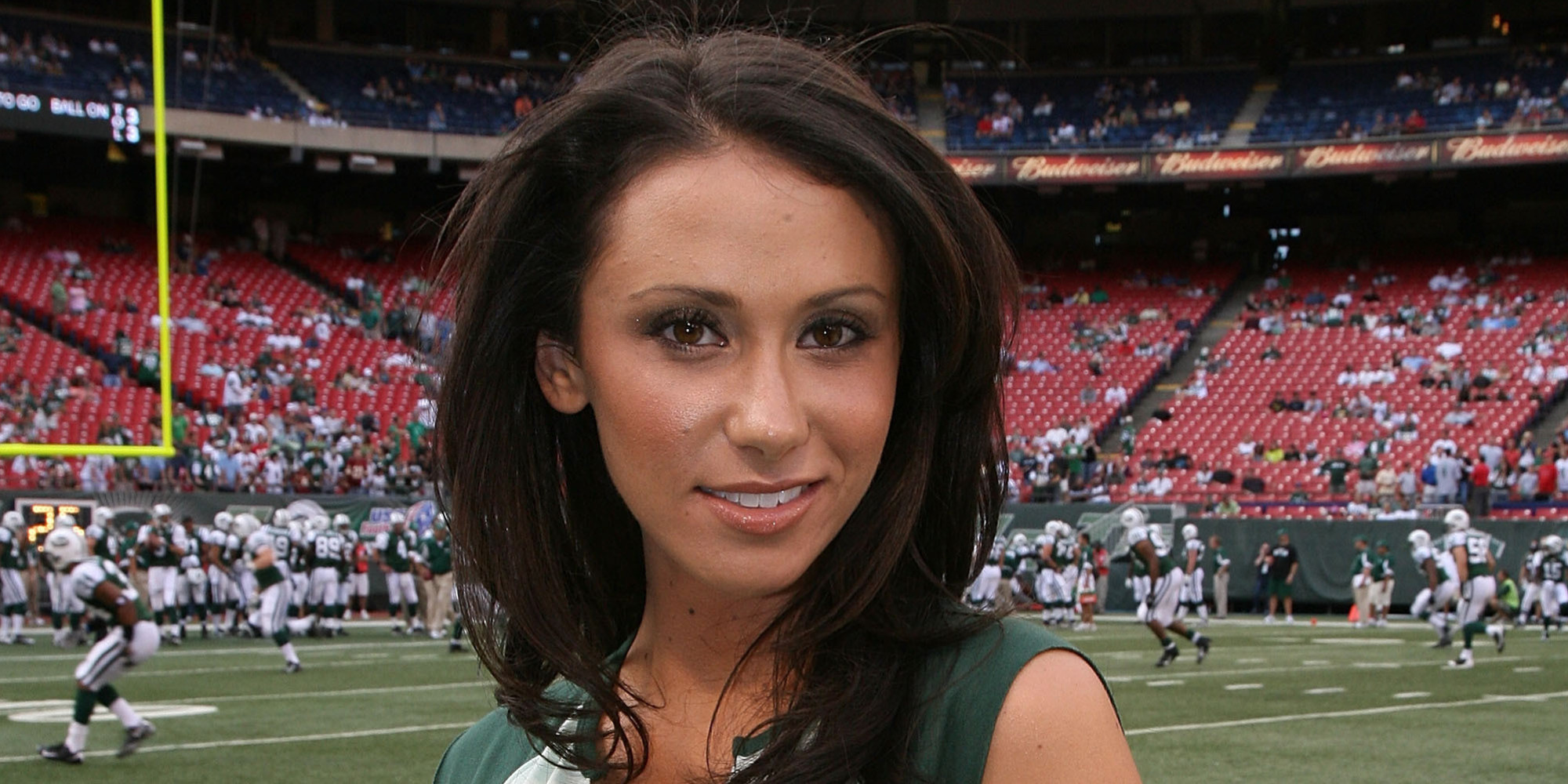 Jenn Sterger Responds To Peyton Manning Record With Dig At Brett Favre ...
