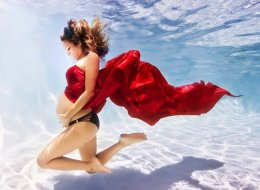 Moms-To-Be Channel Their Inner Mermaids In Otherworldly Photos