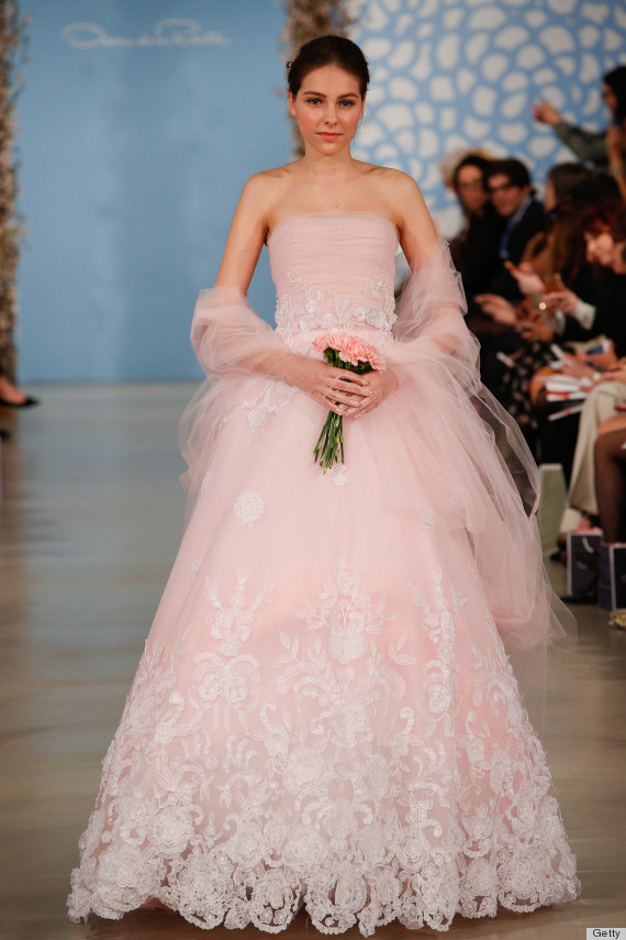 Los impresionantes vestidos de novia de Oscar de la Renta | HuffPost