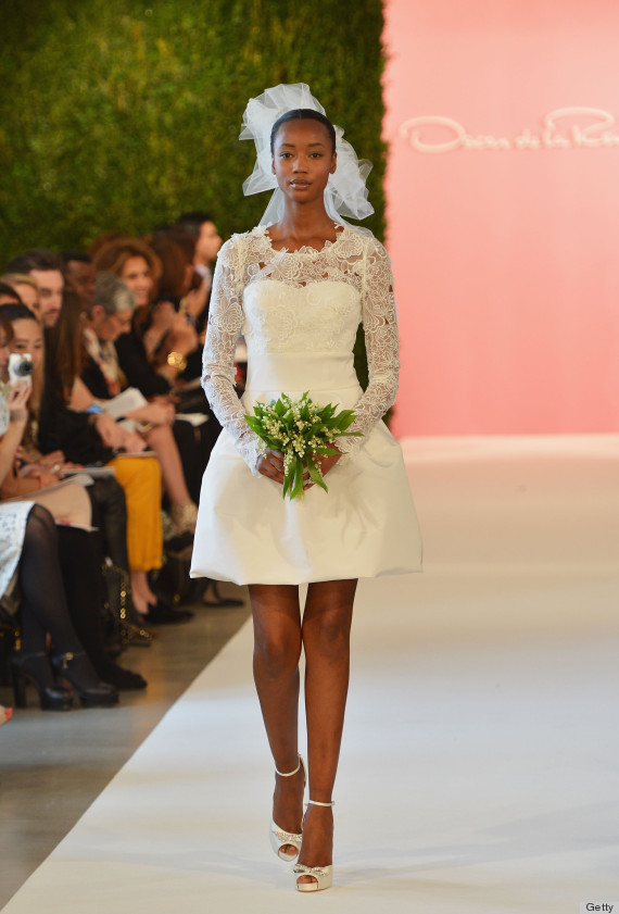 Oscar de la renta 39 s wedding dress legacy will never be for Oscar de la renta short wedding dress
