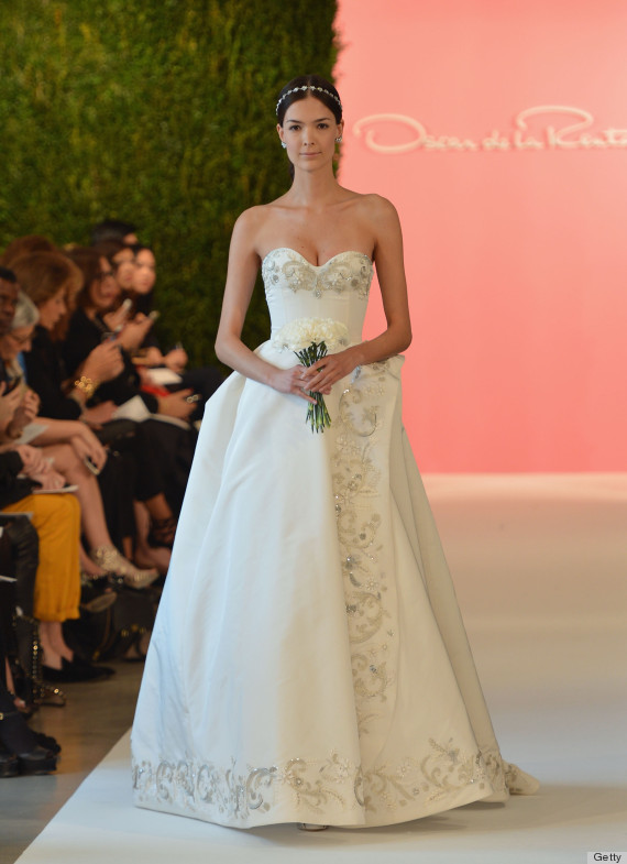 Oscar de la rentas wedding dress legacy will never be forgotten strapless junglespirit Choice Image
