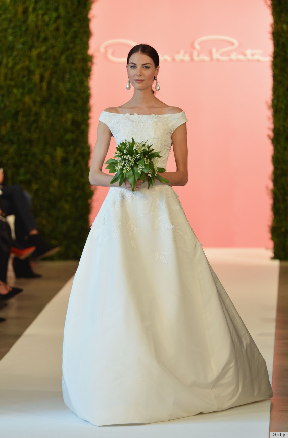 Usa fashion music news oscar de la renta 39 s wedding for Where to buy oscar de la renta wedding dress