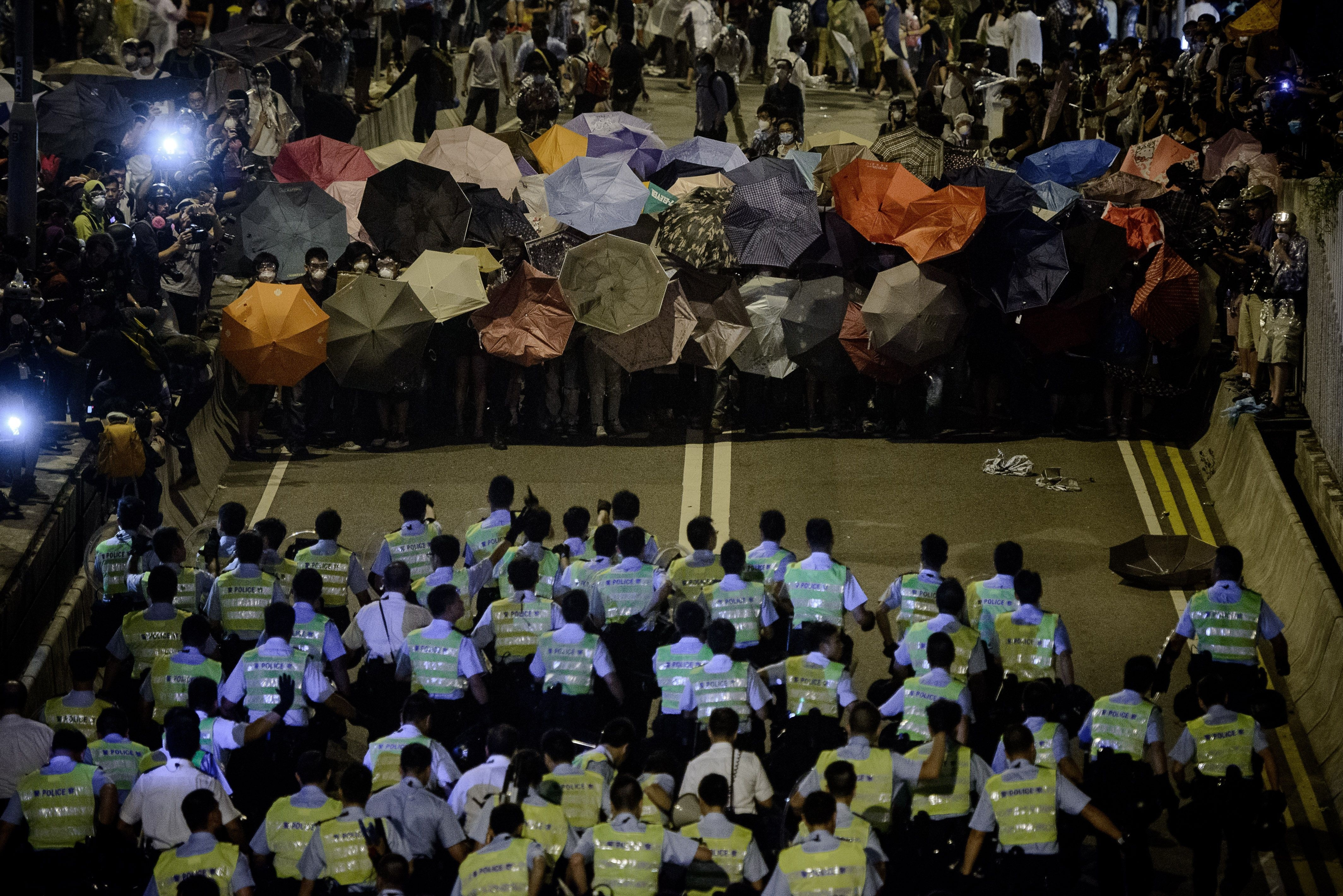 occupy central barricades