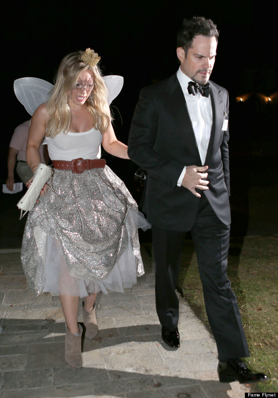 Hilary Duff And Ex Mike Comrie Go Hand-In-Hand To Halloween Party ...