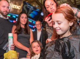 7-Year-Old Girl Shaves Her Head In Solidarity With Her Little Sister In Remission From Cancer