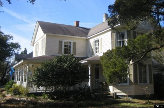 You Can Own One Of Hollywood 39 S Most Famous Haunted Homes