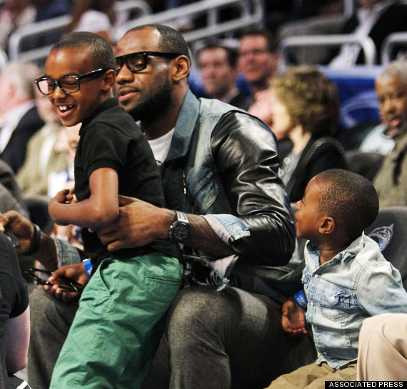 lebron james wife savannah gives birth to baby girl reports huffpost