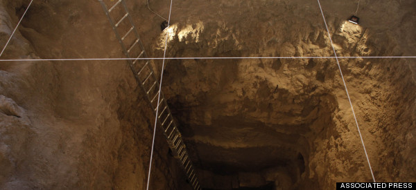 Archeologists Make Incredible Discoveries In Tunnel Sealed 2,000 Years Ago