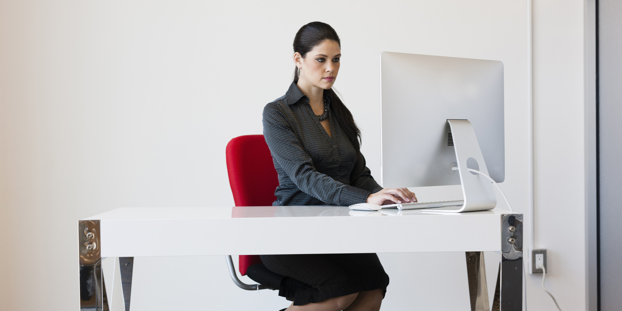 Occupation girl boss huffpost - Desk girl image in ...