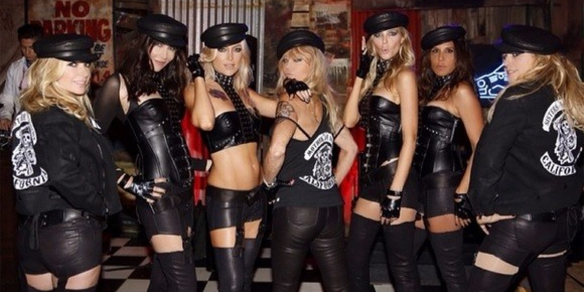 kate hudson rocks leather mother of anarchy costume for halloween party huffpost - Halloween On The Hudson