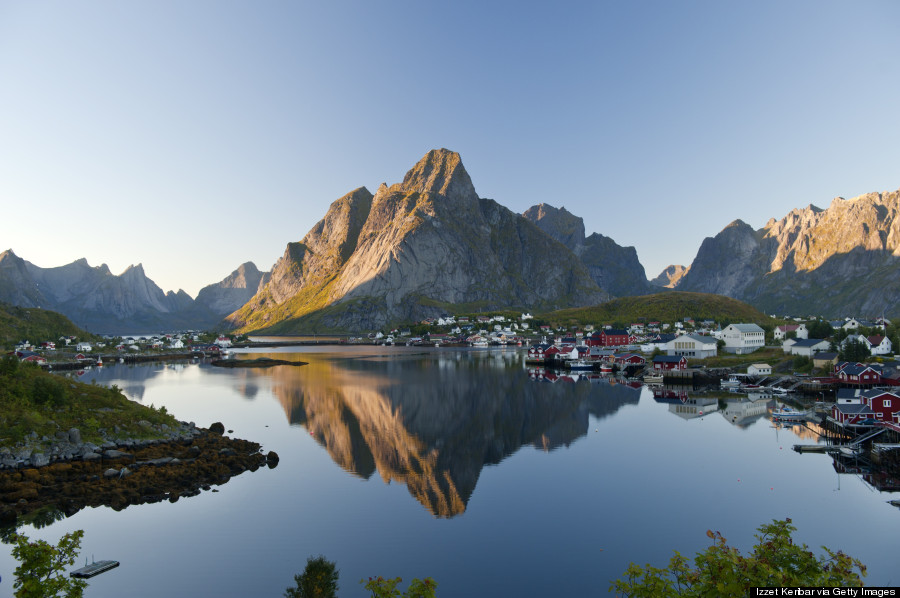 Image gallery reine norway for Fishing in norway