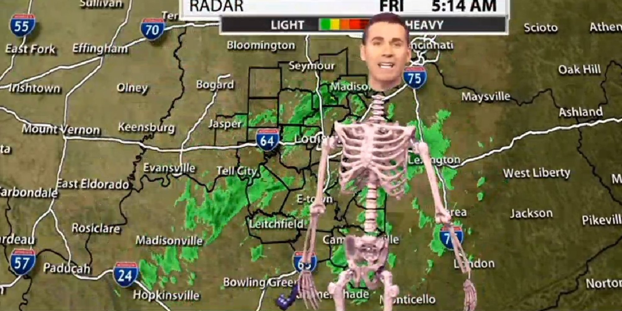 this meteorologist took his halloween costume to the next level with green screen trickery huffpost - Meteorologist Halloween Costume