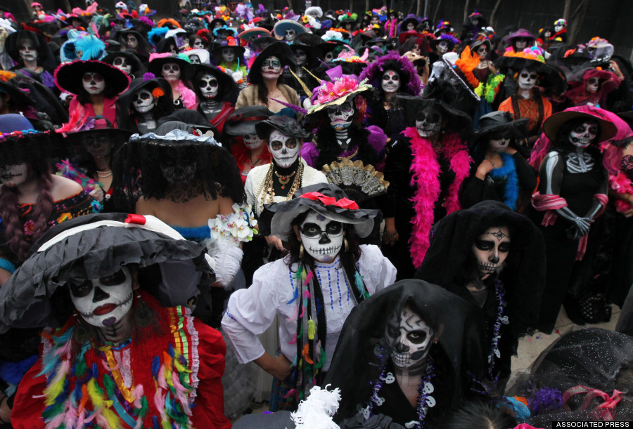 Around stunning photos of mexico s day of the dead record attempt